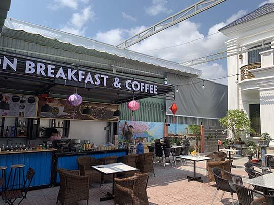 Thiết kế mái che quán café